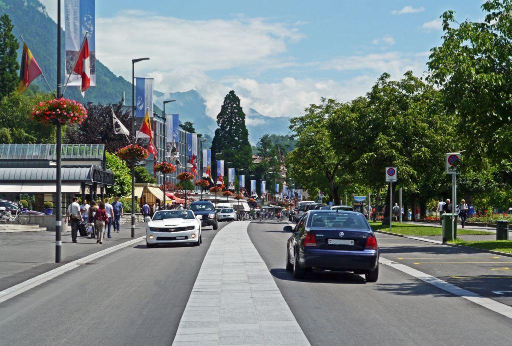 Interlaken travel Guide - main boulevard