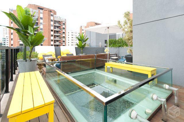 piscina de vidro maxhaus