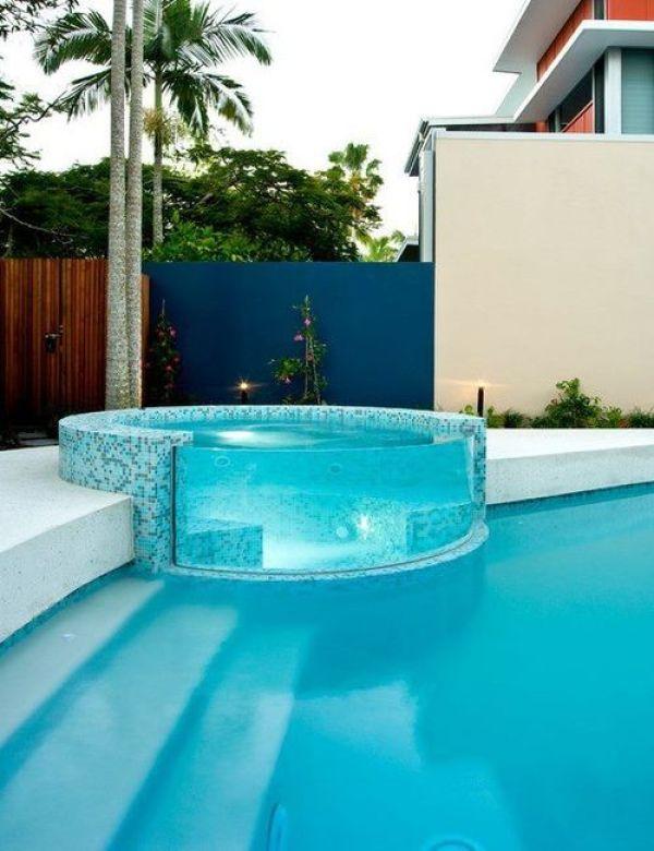 piscina de vidro curvo