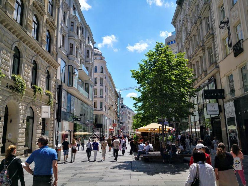 Vienna in summer - Kärntner Straße