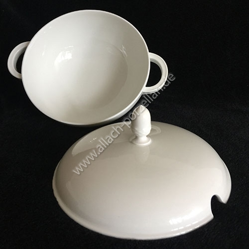 Soup tureen and lid