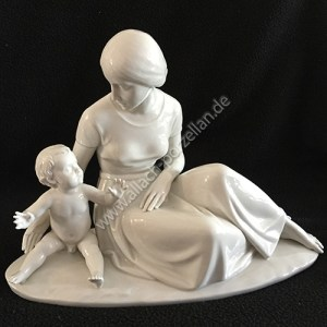 98 Mother with child
