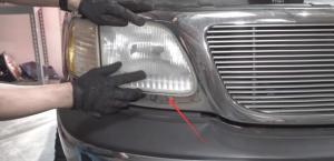 2003 Ford F-150 LED Headlights Bulbs 9007 Conversion Kits Headlamp Assembly