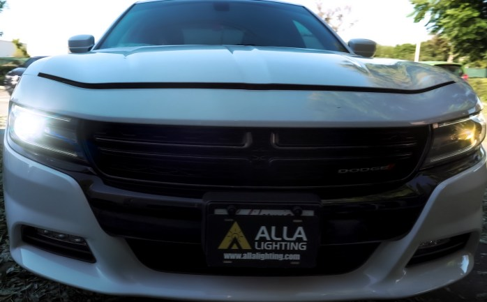 Dodge Charger LED Headlights Bulbs VS Halogen Headlamp Comparison