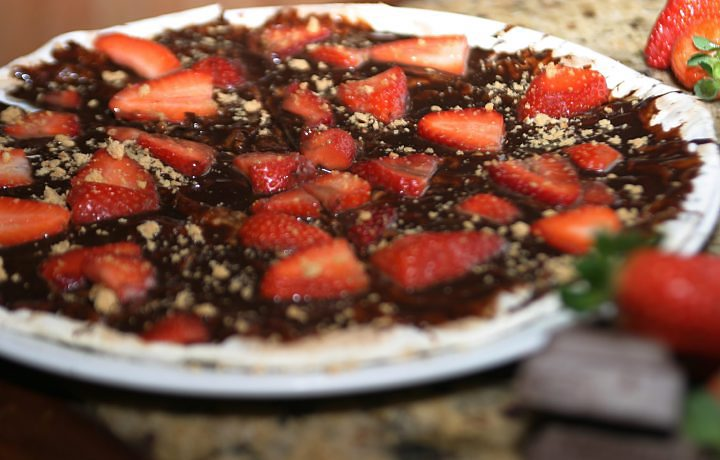 13_MHG_pizza%20chocolate%20com%20morango