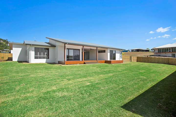 31-Stanely-Drive-Cannonvale-backyard-2