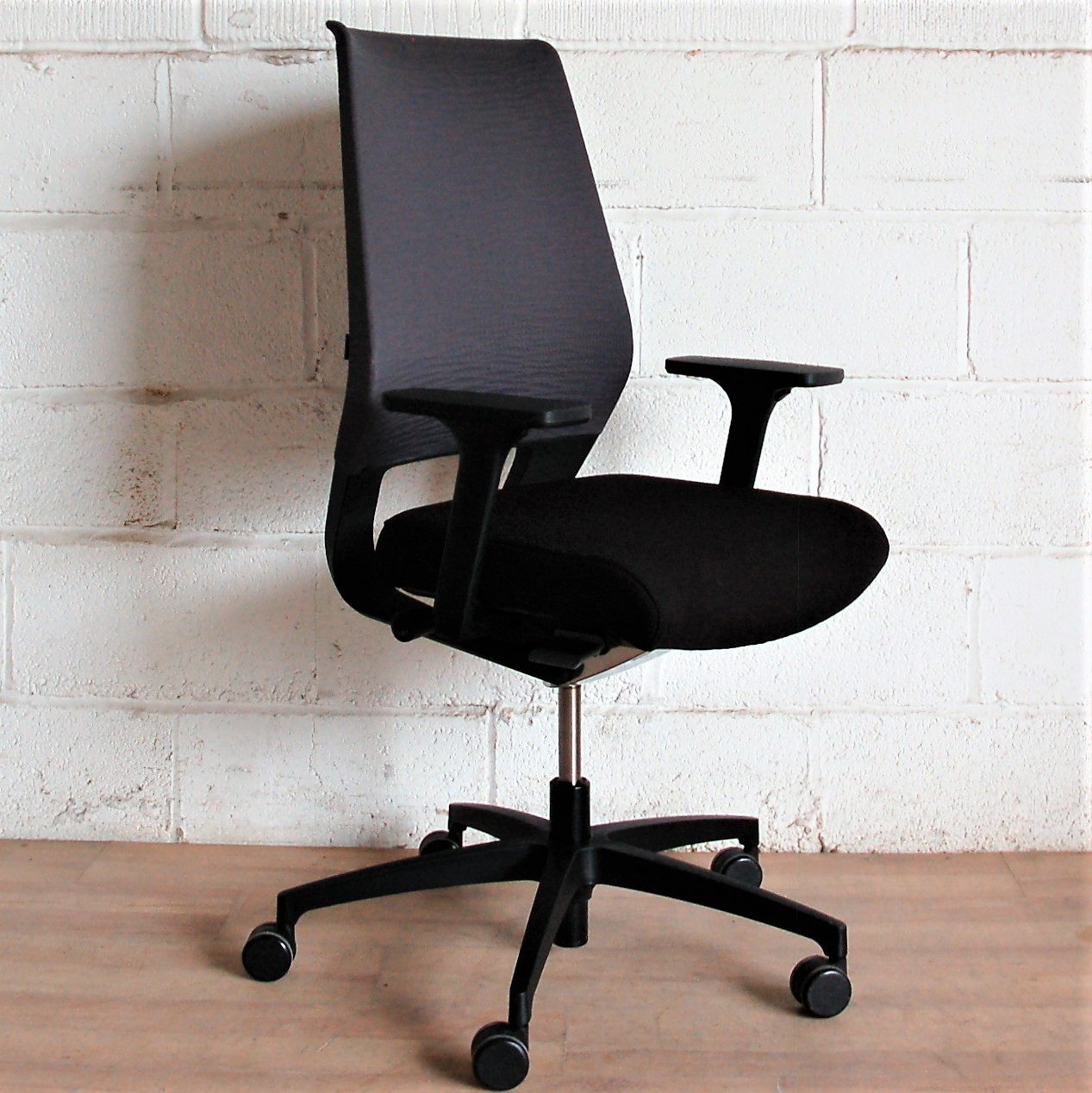 Dauphin Chairs Sold Dauphin X Code Task Chair 2119 Allard Office Furniture