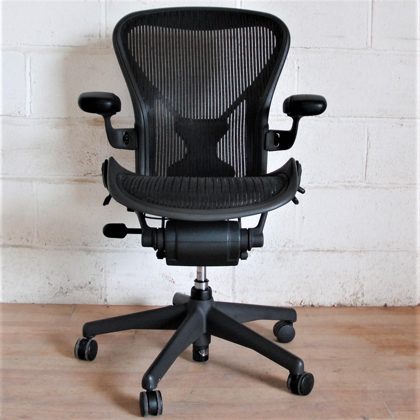 HERMAN MILLER Aeron Task Chair 2156 HERMAN MILLER Aeron Task