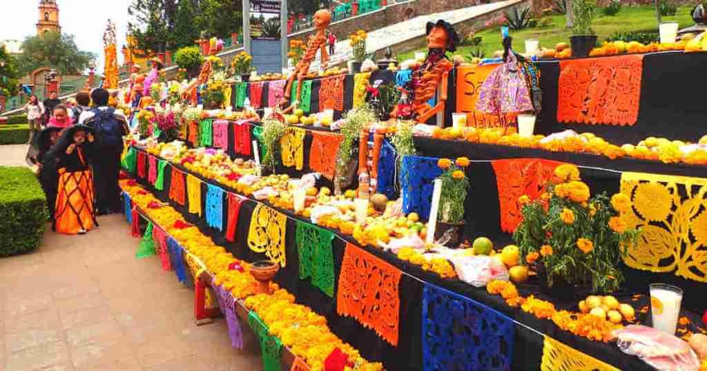 メキシコの死者の日の祭壇
