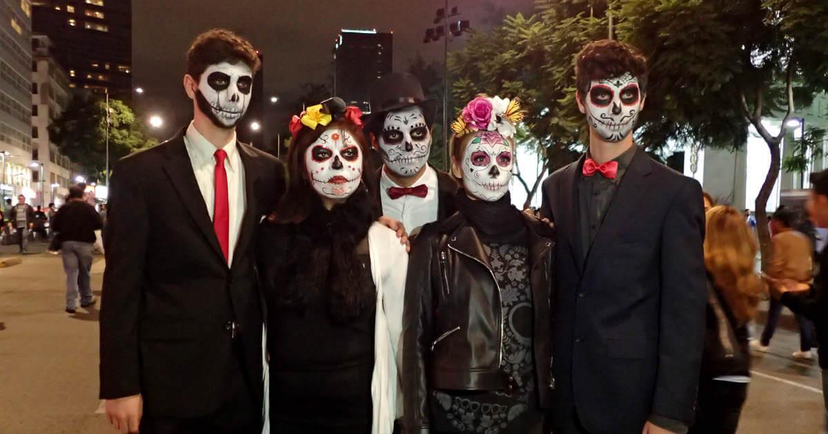 メキシコの骸骨仮装(ハロウィン)