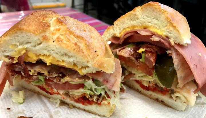 メキシコの絶品トルタ(サンドイッチ)