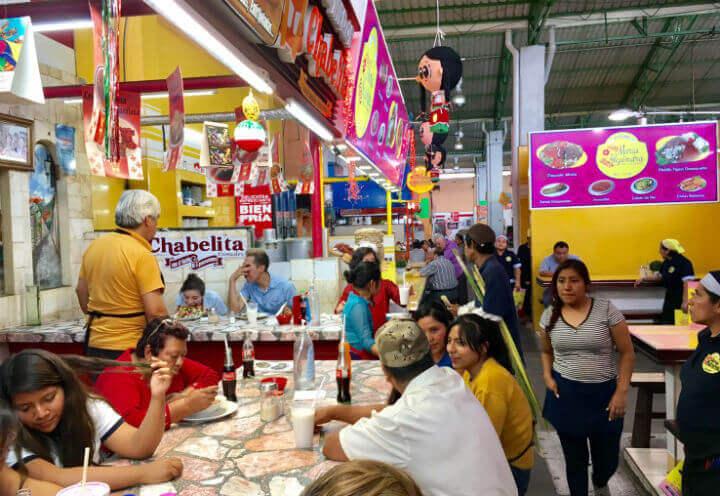 オアハカの食堂市場