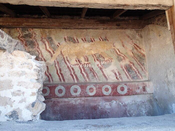 テオティワカン遺跡のジャガーの壁画