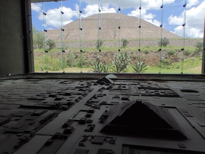 テオティワカン遺跡の博物館の模型