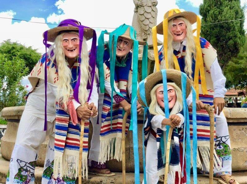 ミチョアカン州の老人の踊り