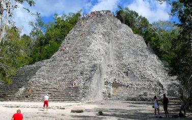 コバ遺跡のピラミッド(カンクン) (1)