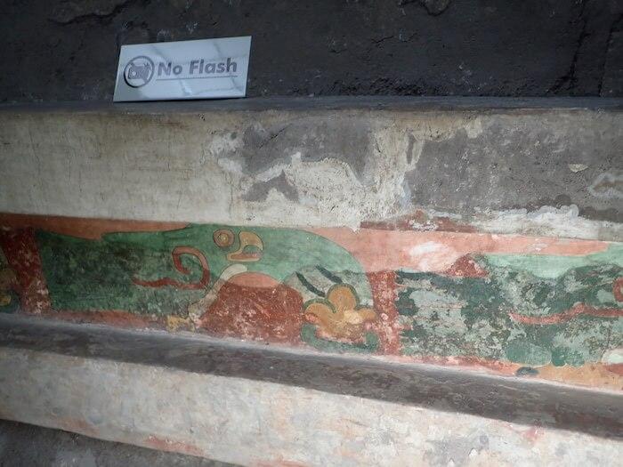 テオティワカン遺跡の鮮やかな壁画