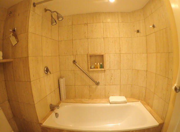 フィエスタアメリカーナコーラルビーチカンクン (5)バスルーム
