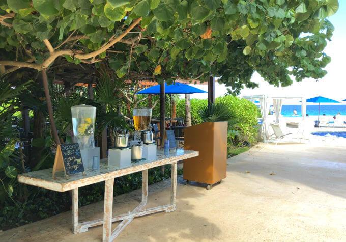 ライブアクアビーチリゾートのドリンクコーナー