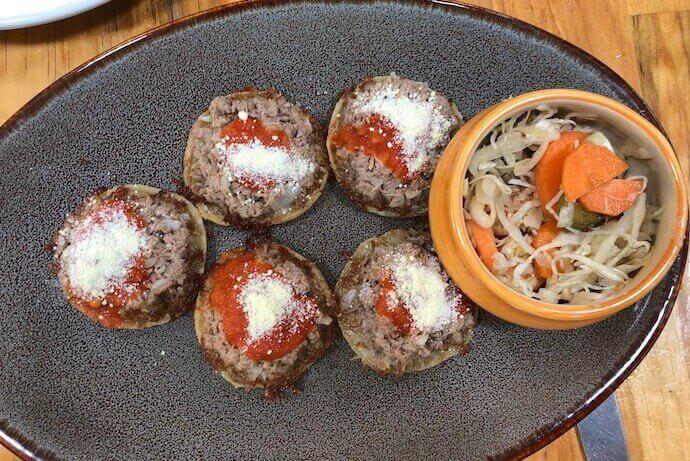 オアハカ・イスモ料理のおすすめレストラン(サンドゥンガ)ガルナチャス