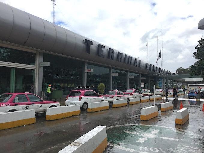 メキシコシティの北バスターミナル外見