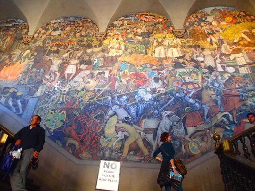 メキシコシティ国立宮殿(ディエゴ・リベラの壁画)1