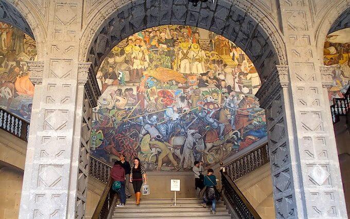 メキシコシティ国立宮殿(ディエゴ・リベラの壁画)2