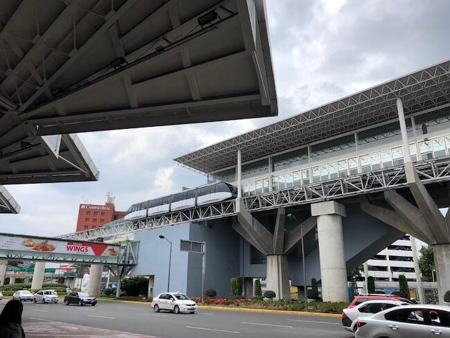 メキシコシティ空港ターミナル間移動のエアートレイン2