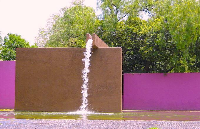 フエンテ・デ・ロス・アマンテス(ロス・アマンテスの噴水)バラガンの建築 (1)