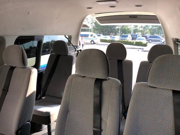 オアハカ空港の乗合ミニバスに乗った時の写真2
