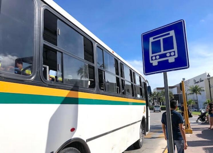 カンクンのローカルバス11