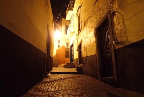 グアナファトの夜道