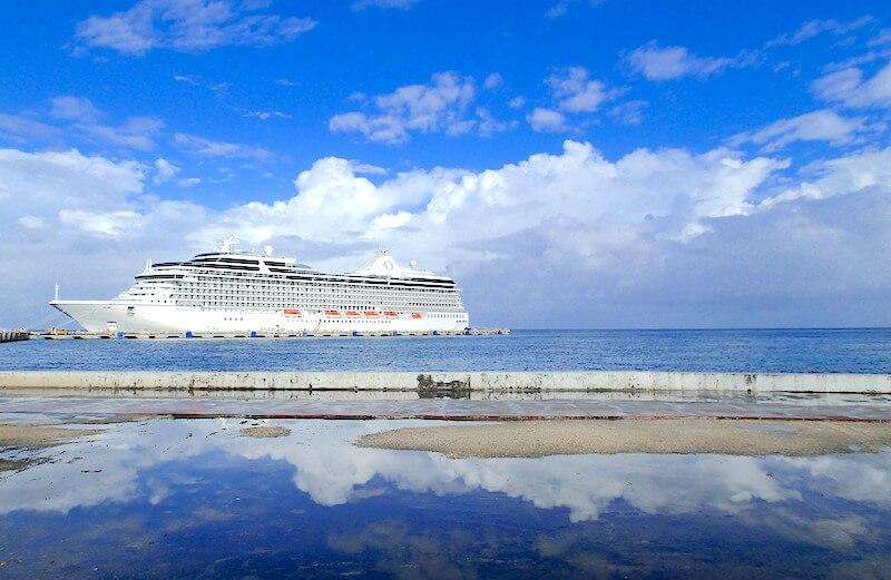 コスメル島の港(クルーズ船)