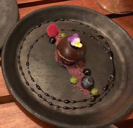伝統コース:チョコレートのデザート