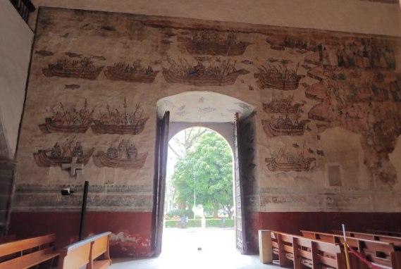 クエルナバカのカテドラル内部の壁画
