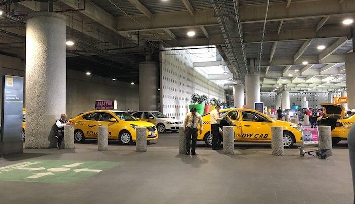 空港タクシー(メキシコシティ第2ターミナル)1