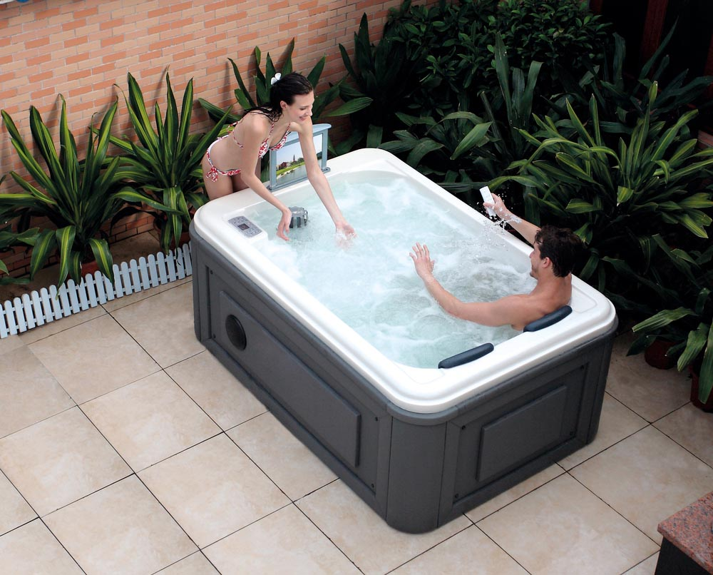 Outdoor Hot Tub Spa Backyard Design Ideas