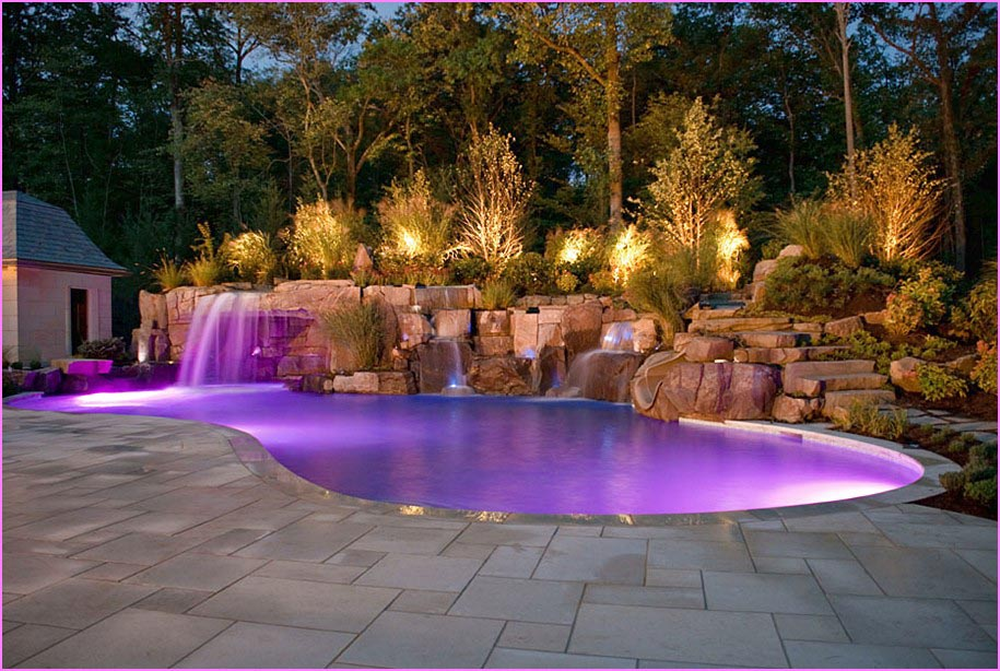 Small Backyard Pools Allow to Cool Down in a Scorching Day