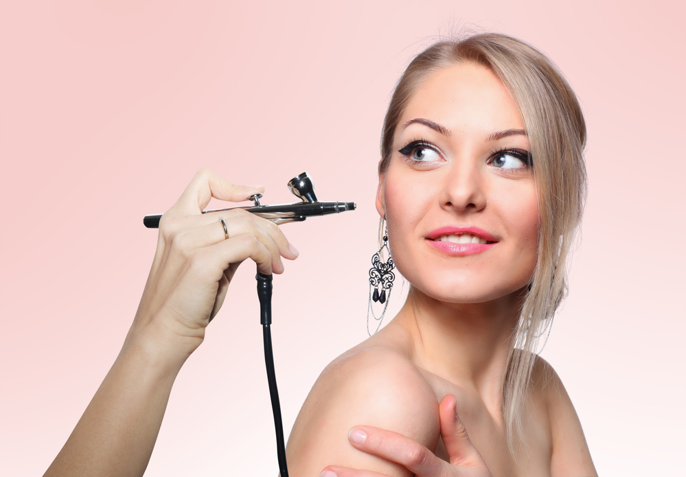 Home airbrush makeup kits are becoming increasingly popular due to the flawless makeup look they can