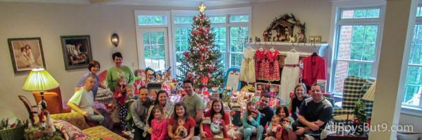 The family and our visiting family on Christmas morning! Every one headed home today. It's a NEW YEAR!!!