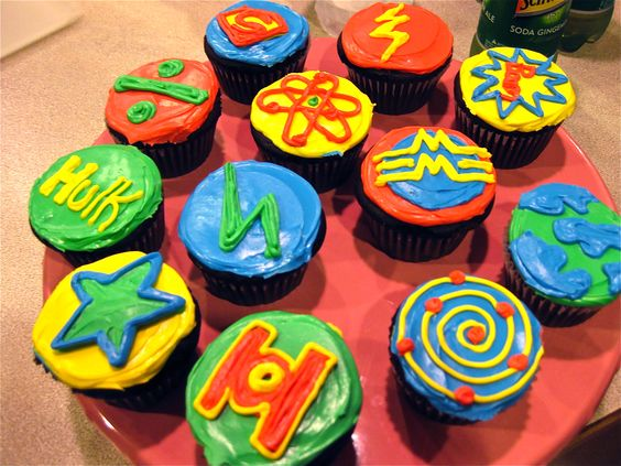 Create Your Own Big Bang Theory Cupcakes!