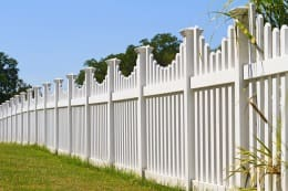 All Counties Fence and Supply Vinyl Fence in Back Yard of San Bernardio and Riverside Counties