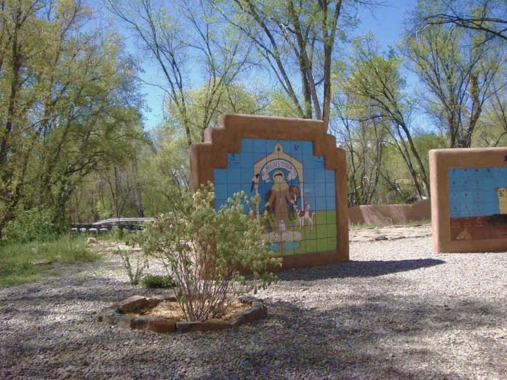 all-creatures-memorial-park-walls
