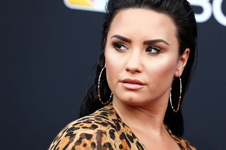 WHY IS DEMI LOVATO SO ANGRY?!