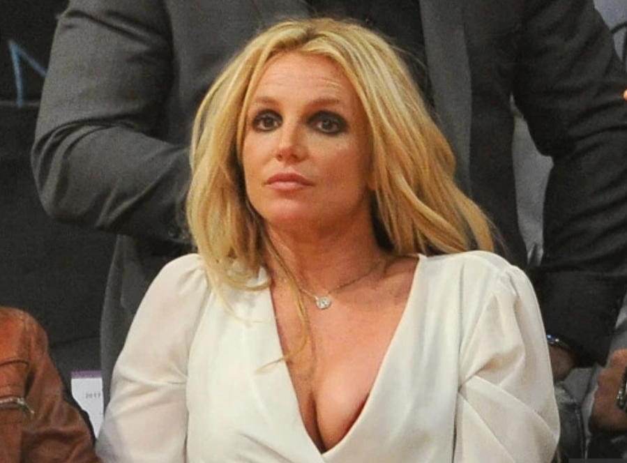 BRITNEY SPEARS ADMITTED HERSELF FOR TREATMENT