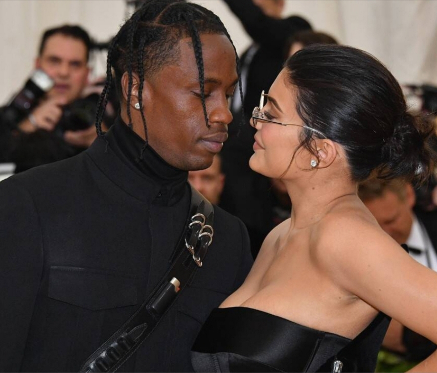 KYLIE JENNER AND TRAVIS SCOTT HANGING OUT AGAIN