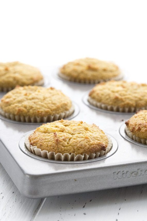 Low Carb Keto Pumpkin Cream Cheese Muffins