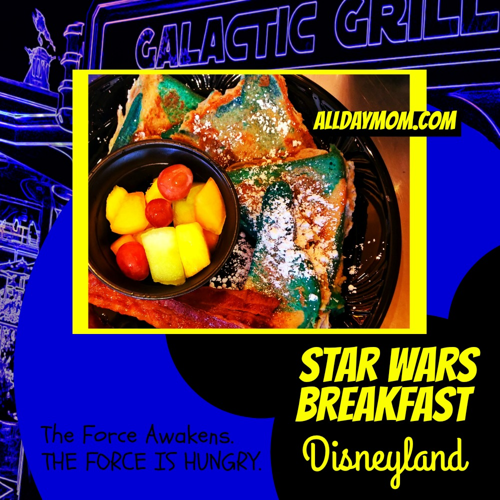 Star Wars Awakens at Disneyland - Star Wars Breakfast at Disneyland! #SeasonOfTheForce Bantha Blue Milk Bread french toast!