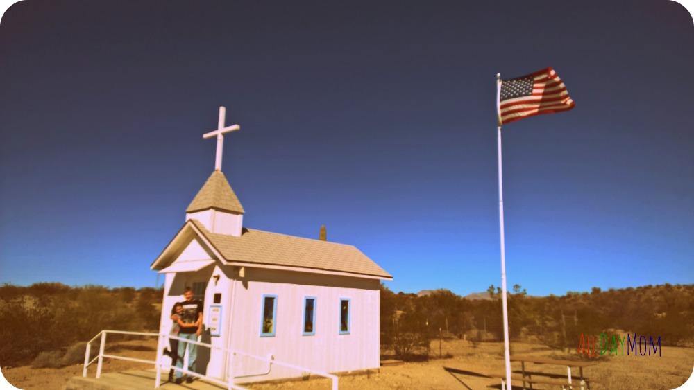 Little Roadside Chapel: Roadside Attractions in Arizona #2
