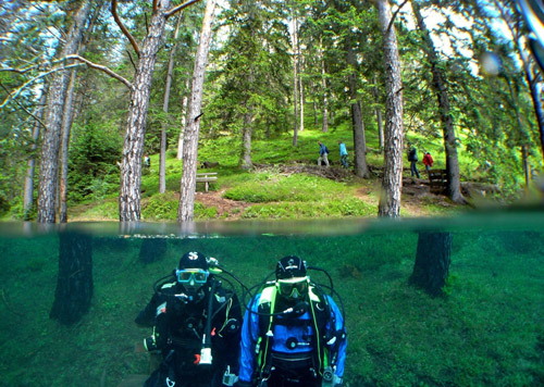 Grüner See - зеленое озеро Австрии. Рыба в траве, водолазы на скамейках и деревья под водой…